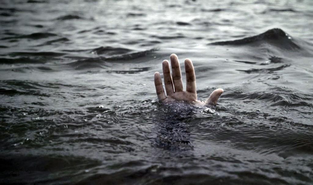sinking-save-me